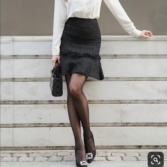 GAP Dresses & Skirts - GAP black tweed high waist flared skirt